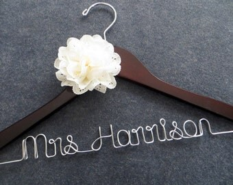 Personalized Wedding Hanger, Bridal Hanger, Mrs Hanger, Wedding Coat Hanger, Engagement Gift, Custom Wedding Hanger with Flower, Shower Gift