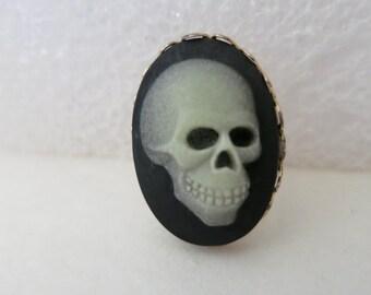 Brooch,Skull,Vintage Brooch,Hand Made,Skeleton