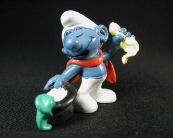 Vintage Conjurer (Magician) Smurf Figurine