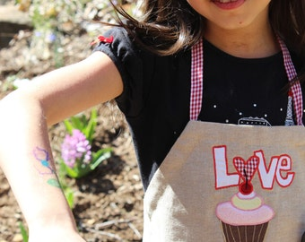 Smart Stylish Kids No-Fuss baking CUPCAKE LOVE APRON