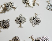 10 Tree of Life charms nature pendant antique silver 22x17mm DB05574
