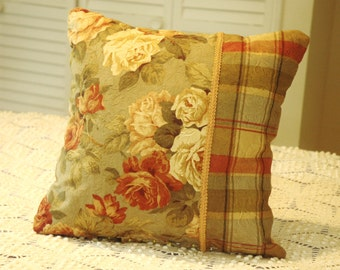 Full Bloom Roses Pillow