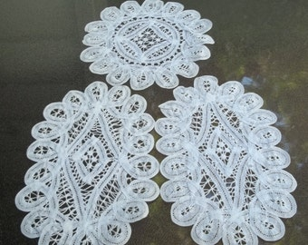 Set of Three Vintage Bobbin? Tape Lace Doilies, Doily Set, Two Oval and 1 Round, Gorgeous, Excellent Condition