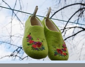 Felted woman house shoes wool slippers (EU 41, US 9-9,5)