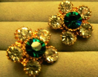 vintage jewels ...  Stunning Floral shaped Emerald & diamond PASTE faux stones screw back Earrings ...