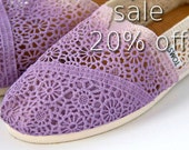 SUMMER SALE! Size 7 Lavender Crochet TOMS Shoes **Free Shipping**