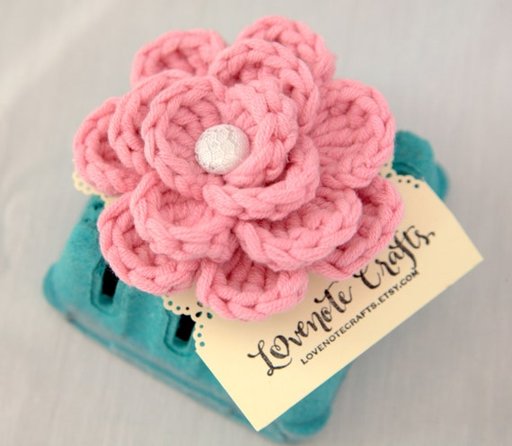 Crochet Flower Bloom Brooch Pink