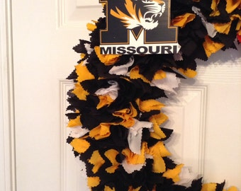 "18"" Missouri fabric wreath--Picture displays how your wreath will look with team logo-(must be attached by consumer)"