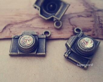 10pcs  Antique Bronze camera pendant  Charms 15mmx18mm