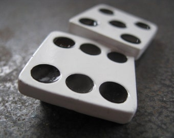 Roll of the dice ~ fun 1980s brooch ~ Donecraft