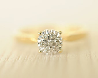 SALE! 1970's vintage / .05 carat diamond and 9k gold engagement ring / wedding / simple sweet // POD
