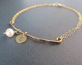 Personalized Gold Fill Bar Bracelet,Stamped Initial & Pearl Bracelet Thin Bridesmaid Bracelet,Friendship Bracelet Anniversary Gift