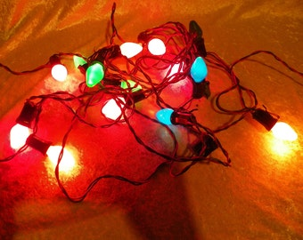 Vintage C-7-1/2 15 Bulb Christmas Lights Twisted Green/Red Wire A in Diamond Mark on Plug