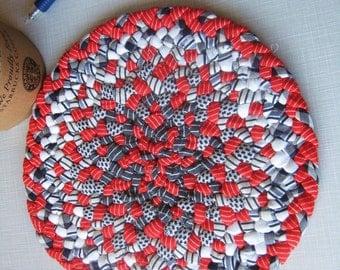Braided Rug, Black, Red, White Round Rag Mat