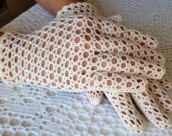Vintage Style Crochet Lace Gloves Wedding - Cream