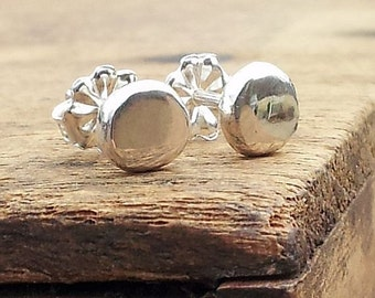 5mm Fine Silver Flat Hammered Pebble Round Stud Post Earrings