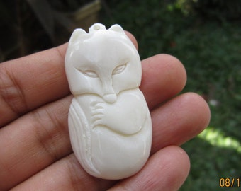 Hand Carved  Fox pendant   cabochon, ox bone carving ,  Jewelry Supplies S4206