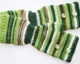 Shadow green  striped  fingerless  gloves.