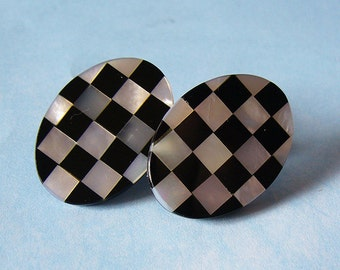 Chess Oval Inlay Earrings