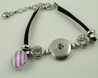 1 Black Suede Bracelet Base for DIY SNAP Bezel Toppers. Works with Snap Jewelry. Approx 7 inch. Has added extender chain.
