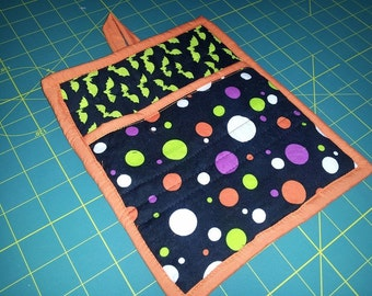 9 X 8 Black and Orange with Large Polka Dots, Green Bats, Halloween Pot Holder, Hot Pad, Oven Mitt, Insulated, Quilted, Pocket, Loop