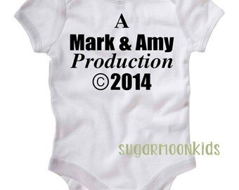 Personalized Production Baby Onesie Mom Dad Custom Production Baby Gifts White Baby Boy Girl Onesie Personalized gifts for Mom Dad Onesie