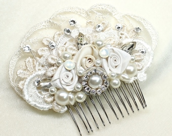 Ivory Bridal Hair Comb-Rhinestones & Pearls Hairpiece- Wedding Hair Accessories- Pearl hairpiece-Bridal Hair Accessories- Lace Bridal Comb