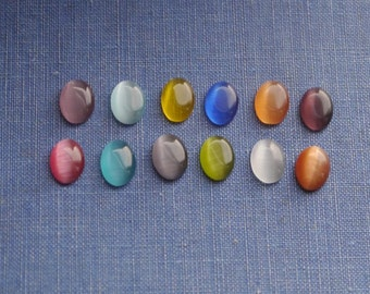 20 pcs 8 x 6mm Oval Glass Cabochons Assorted Mixed Colors (MXC909)