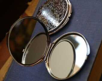 1 Silver Floral Etched Mirror Compact Purse Compact Makeup Compact Cabochon Base 6cm (SC1024)