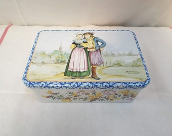 Vintage French Tin Quimper Henriot biscuit box w837