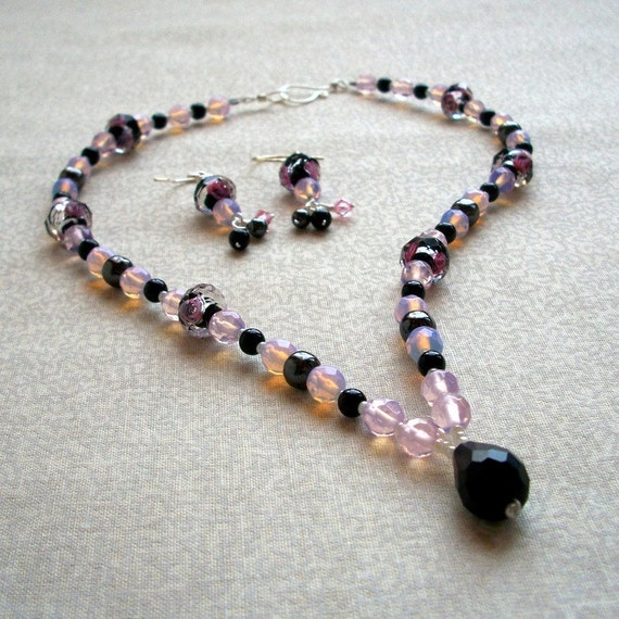 Structured Necklace, Black Pink Roses