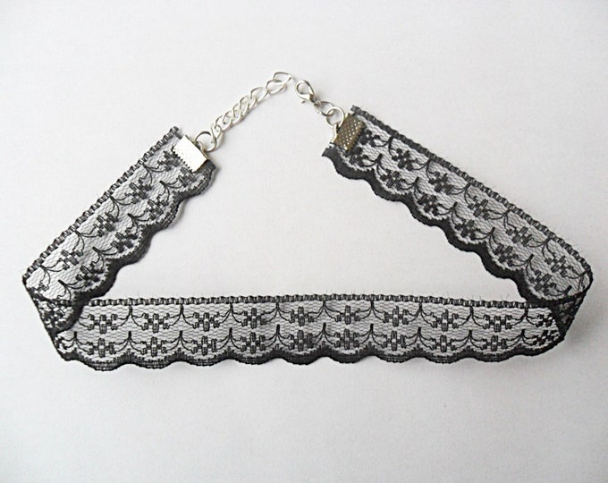 """Lace Choker necklace Black Scalloped with a width of 3/4"""" (pick your neck size) Ribbon Choker Necklace"""