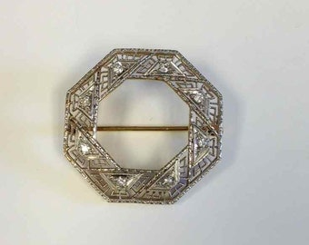 Diamond Filigree Pin in 14 Karat Yellow Gold and White Gold Late Edwardian-Early Art Deco Period