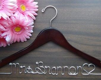 Bridal Dress Hangers Custom Made, Bridesmaid Personalized Hanger, Bridesmaids Gift idea,Wedding Hangers with Names, Wedding Photo Props