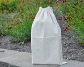 Cream cotton muslin drawstring bag  - fits 5 or 6 dice easily!