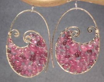 Hammered swirl hoop earrings pink ruby Luxe Bijoux 240
