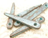 33mm Rustic Patina Skinny Spike Charm Pendant, Mykonos Casting Beads (3) - X4463 - M26