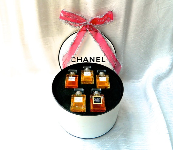 Chanel Vintage Perfume Gift Wardrobe Hat Box Set 5