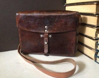 Vtg Swiss Army Leather Messenger Bag // Crossbody Handbag