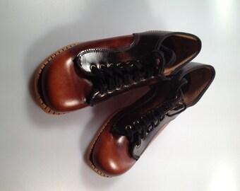 1970s Vintage Girls OXFORD Shoes by TRAVELERS Genuine Leather Little Girls Vintage Shoes Never Worn Vintage Oxfords
