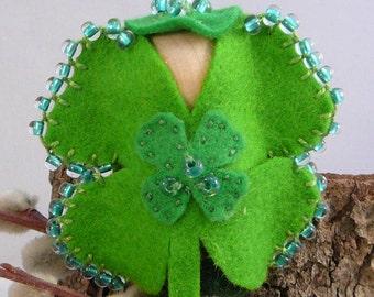Shamrock Peg Doll, Green Wool Felt Miniature, Waldorf Wood Peg Doll, Four Leaf Clover Peg Doll
