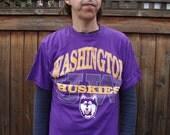 Vtg 90s UW Huskies T Shirt sz M to L