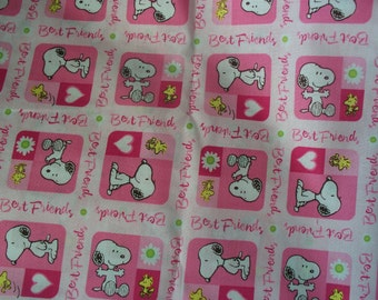 PEANUTS VALENTINES TABLECLOTH - 46 x 43  Inches