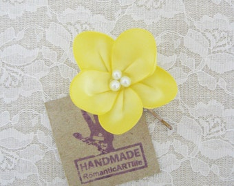 Yellow Flower Accessory. Yellow Flower Pin. Bobby Pin. Hair Accessory. Hair Flower. Wedding Accessory.