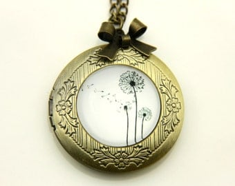 Necklace locket dandelion 2020m