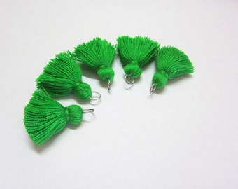 Mini tassels Emerald Green Short tassels no24 Green Tassel Mini Tassels for Jewelry Small Tassels for Bracelets Cotton Tassels Small Tassels