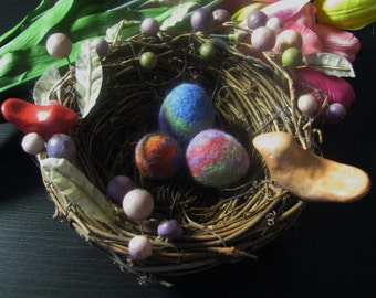 Birdnest with 2 polymer clay birds, 3 needle felted wool eggs, Easter, spring decor