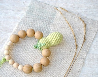 Squash Baby toy,Teething ring,Baby teether,Light green brown,Nature,Eco Friendly,Waldorf toy,pistachio green,beaded teething toy,shower gift