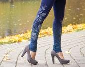 Autumn morning - navy blue leggings with greyish flower print