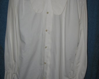 1970s white long sleeve Ship 'N Shore blouse size 36 long collar tabs
